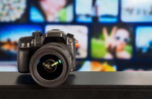 Quels sont les plus grands avantages d'un appareil photo numérique dans un comparatif ?