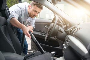 Comment fonctionne un aspirateur voiture ?