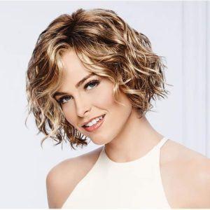 Les lisseurs adaptés aux cheveux fins, légèrement ondulés dans un comparatif