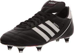 Comment peut-on faire l'évaluation des chaussures de football ?