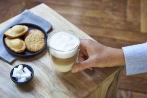 Internet ou commerce spécialisé : où dois-je plutôt acheter une machine à café grain ?