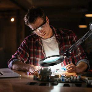 Comment tester une lampe de bureau ?
