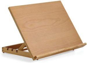 Ce matériel en bois est un support sur lequel l'artiste peintre réalise son oeuvre d'art.