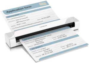 Ce scanner portable DS-620 de la marque Brother est excellent selon les tests et avis. Il est capable de numériser 8 pages par minute au format A4 à une résolution de 300 points par pouce, en couleur et en monochrome.
