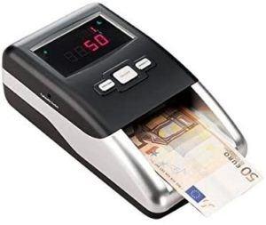 Ces détecteurs sont des machines, généralement alimentées par batterie, dont le but est de garantir l'authenticité des billets de banque