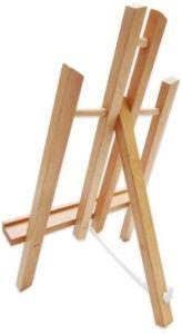 Cet accessoire fabriqué en bois sert à soutenir l'oeuvre de l'artiste.