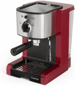 Disposant d'une buse à vapeur, cette machine à café automatique vous permet de faire mousser le lait en un tour de main.
