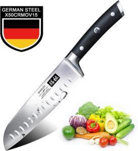 L'acier est l'un des matériaux les plus utilisés pour la fabrication des couteaux de cuisine.