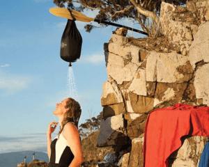 La douche portable à poche solaire Sts Pocket Shower