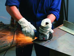 La meuleuse professionnelle Bosch GWS 7-125 est une machine puissante, parfaite pour les tâches professionnelles et exigeantes, mais aussi pour vos projets de bricolage à domicile.