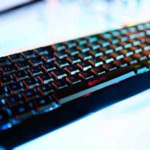 Le clavier Klim Chroma impressionne par sa simplicité d'utilisation et son aspect sans fil.