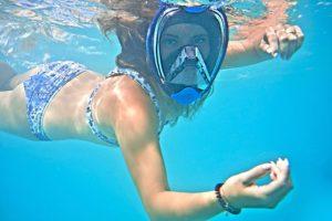 Matériel pour la natation couvrant tout le visage pour permettre de respirer sous l'eau.