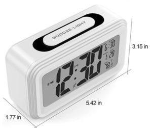 L'augmentation du volume de trois alarmes sonores augmente en trois étapes jusqu'à ce que l'alarme soit désactivée ou que la barre de rappel sur le dessus soit enfoncée.