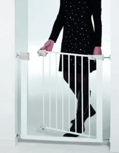 La barrière Safety 1st easy close, est un produit recommandé pour sa simplicité et sa sécurité.