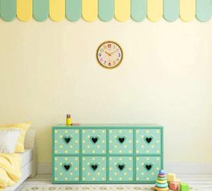 Une horloge murale est bien plus qu'un simple objet décoratif.
