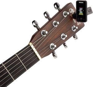 Cet accordeur de guitare high-tech vous avertit de toutes variations de conditions climatiques qui nécessitent d'accorder votre instrument… en prime, un joli design coloré !