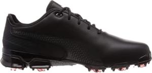 Les chaussures de golf peuvent aussi influencer la performance du joueur.