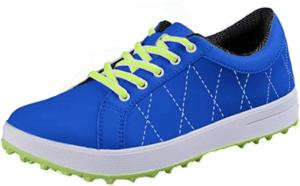 Les chaussures de golf sont très confortables et légères.