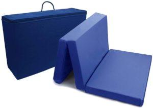 Matelas compact adapté pour les voyages ou la sieste en extérieur.