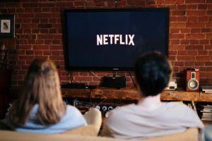 Une smart tv box vous donne aussi accès à Netflix directement depuis votre téléviseur