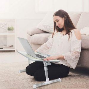 Une table console extensible pour ordinateur vous permet de travailler partout