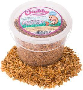 Vous pouvez également trouver en ligne une variété d'aliments naturels pour votre tortue, comme ici dans la photo des crevettes séchées.