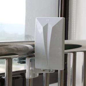 Une antenne TNT est un petit dispositif à installer en complément de son poste de télévision, afin de capter l'ensemble des chaînes de la TNT.