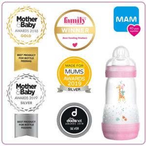 Le MAM Easy Start anti-colique représente le biberon idéal pour les nourrissons : les bébés peuvent boire à leur rythme, en toute décontraction. Avec son système auto-stérilisant, il suffit de trois minutes au micro-ondes pour les stériliser.