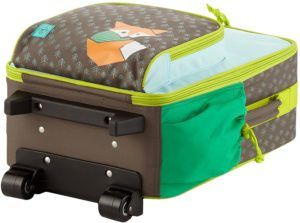 Il existe de nombreux types de valises. Parmi elles, on distingue les valises à quatre ou deux roulettes, rigides, semi-rigides et souples.