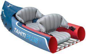 De nombreux modèles de kayaks sont fabriqués en plastique polyéthylène, reconnu comme le matériau de fabrication le plus résistant pour les embarcations sportives.