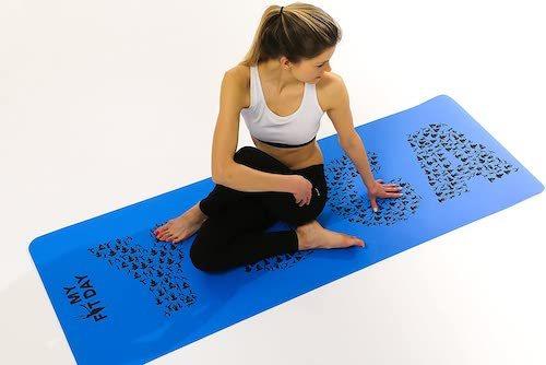 Lors du choix de votre meilleur tapis de yoga, il est important de prendre en compte des critères tels que le matériau et l'épaisseur.