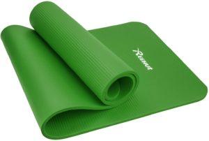 Si vous cherchez plus de confort, un tapis de yoga épais est une très bonne option.