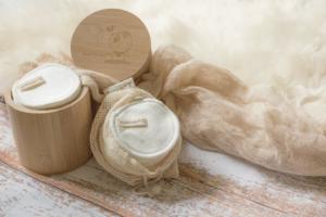 Selon les tests des meilleurs experts, il est très important pour la peau de se démaquiller au soir avant d'aller se coucher.