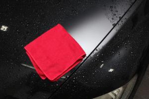Les serviettes microfibre peuvent avoir de nombreuses utilités, telles que l'entretien de votre foyer ou de votre véhicule.