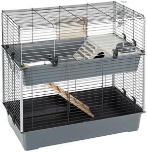 Certaines cages à lapin ont plusieurs étages pour donner plus d'espace à votre lapin, il aura ainsi un meilleur terrain de jeu.