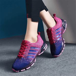 Certaines chaussures de sport sont réservées aux sport en salle.