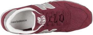 Cette chaussure de sport a un look très particulier, qui vous ramènera dans le temps.