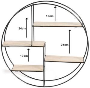 L'étagère murale pyramidale est un modèle constitué de plusieurs étagères de dimensions distinctes, de la base à la pointe du triangle.