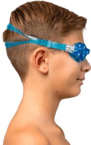 Il faut trouver les lunettes de piscine adaptées à son visage, à son activité et à son âge. Faites les tests !