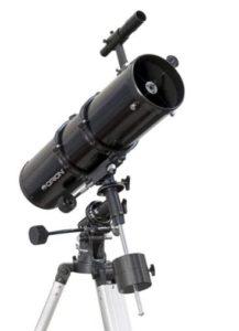 Les premiers types de télescopes à avoir fait leur apparition sur le marché sont les télescopes réfracteurs.