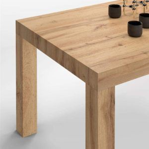 Cette table de cuisine est 100% MADE IN ITALY. L'Idée, le design, la conception et la production. La table est facile à fermer et ouvrir, une fonctionnalité qui a su convaincre les avis des utilisateurs lors de leurs tests.