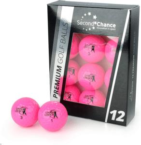 """Seul leur extérieur est """"réparé"""", de sorte qu'ils gardent le noyau, ce qui permet même aux débutants d'avoir d'excellentes balles de golf."""