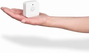 Selon les tests des utilisateurs, ce meilleur détecteur de mouvement est très petit et élégant. Il ne se fera quasiment pas remarquer dans votre maison.