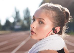 Grâce à son autonomie allant jusqu'à 10 heures, selon l'avis des clients vous pouvez profiter au maximum de vos séances de sport.