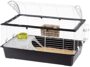 Cette cage à lapin vient avec plusieurs accessoires importants pour votre petit compagnon selon l'avis des utilisateurs et des tests comparatifs.