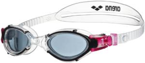 Les lunettes de natation sont une protection indispensable pour nager.