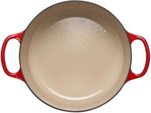 La cocotte minute peut contenir une grande quantité d'aliments.