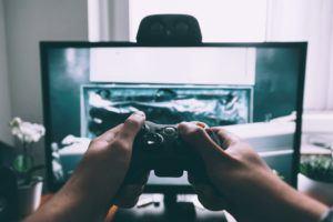 Veillez à vérifier si vos jeux favoris sont disponibles sur la console de votre choix. Certaines franchises sont exclusives à une console selon les tests comparatifs.