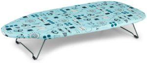le modèle LA023735 de Beldray est un autre exemple de planche à repasser miniature