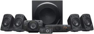 Home cinéma sans fil équipé de plusieurs enceintes audio pour le son